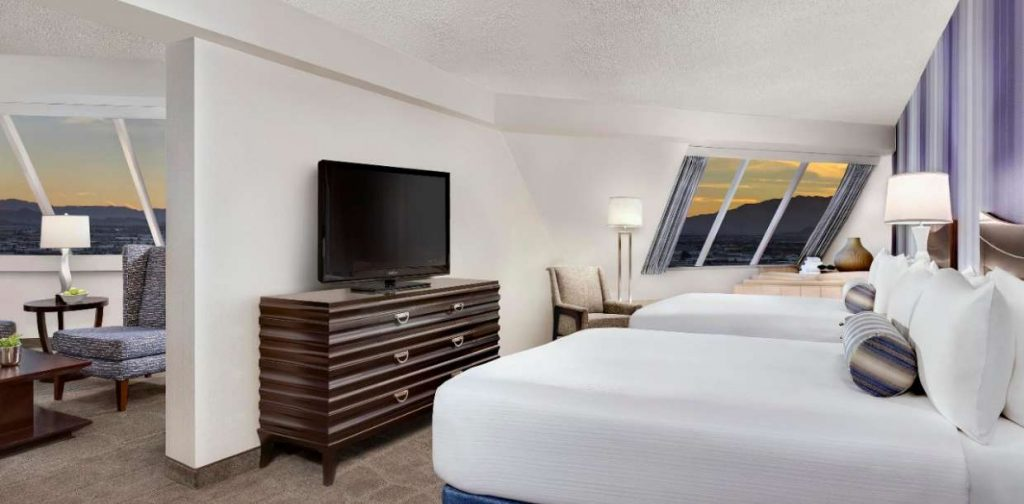 Luxor Hotel and Casino Guest room