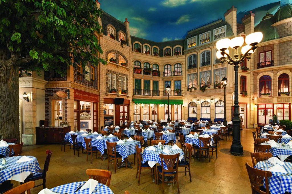 Paris Las Vegas Restaurants and food area