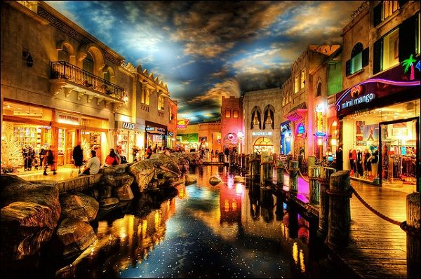 Planet Hollywood Las Vegas Shops