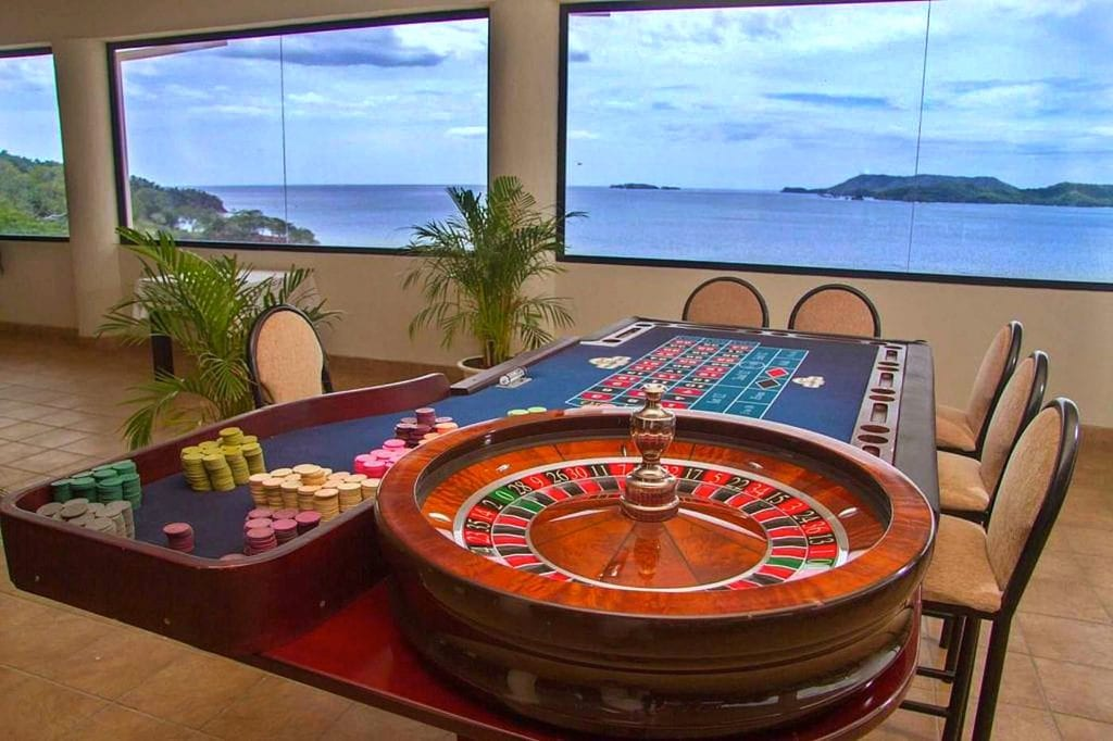 Flamingo Las Vegas Casino One of many Roulette Tables