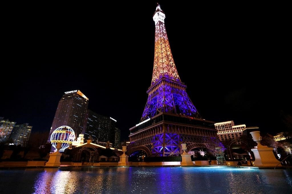 Paris Las Vegas Eiffel Tower Light show