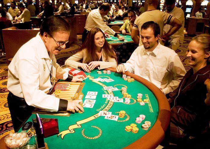 Permainan meja di kasino
